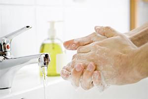 V prípade akútnej hnačky si dôkladne umyte ruky
